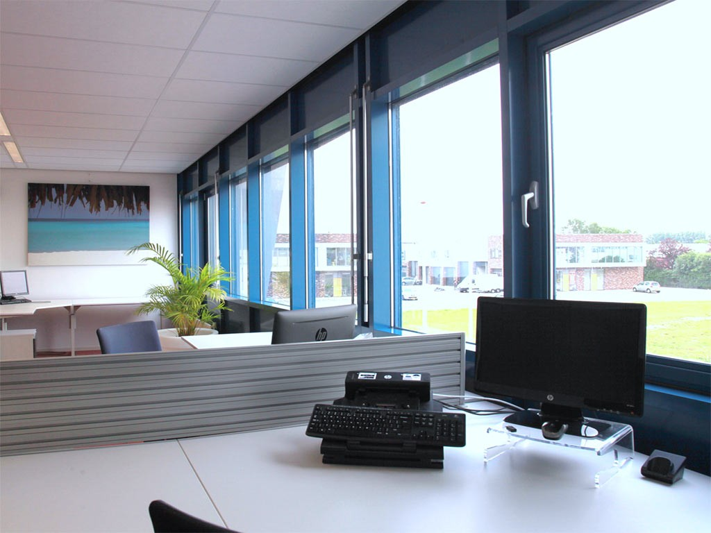 Werkplek of kantoor huren in broek op langedijk - Decoreren van een professioneel kantoor ...